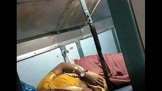 real bhabhi shows boobs in train