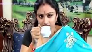 Telugu character actress Waheeda in anagarikam