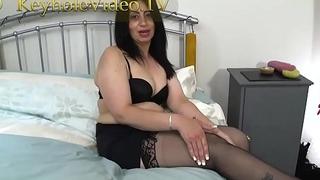 Milf CandyLips on Black Lingerie Masterbating herself on Bed