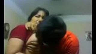 Amateur Indian coupler kiss sensually close up