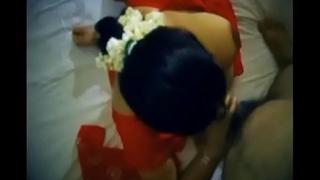 Indian randi bhabhi fucked regarding client( Desivdo.com )