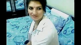 Hot &amp_ Horny High Class Bhabhi Home Alone Chatting On Webcam