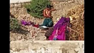 Dasi Indian open bath